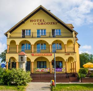 """Hotel """"Grodzki"""""""